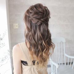 ヘアアレンジ エレガント ロング グレージュ ヘアスタイルや髪型の写真・画像