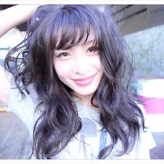 ミルクティー 黒髪 セミロング フリンジバング ヘアスタイルや髪型の写真・画像
