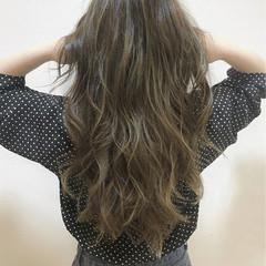 外国人風 ハイライト ロング アッシュ ヘアスタイルや髪型の写真・画像