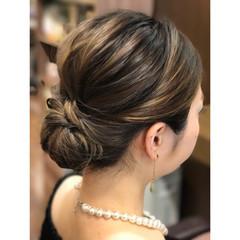 インナーカラー ヘアアレンジ エレガント 大人女子 ヘアスタイルや髪型の写真・画像