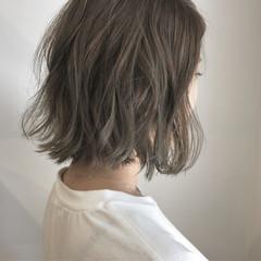 ナチュラル 透明感 切りっぱなし 秋 ヘアスタイルや髪型の写真・画像