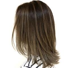 フェミニン 外国人風カラー グラデーションカラー バレイヤージュ ヘアスタイルや髪型の写真・画像