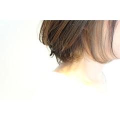 アッシュ ハイライト 外ハネ ボブ ヘアスタイルや髪型の写真・画像