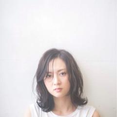 フェミニン 透明感 エフォートレス ゆるふわ ヘアスタイルや髪型の写真・画像