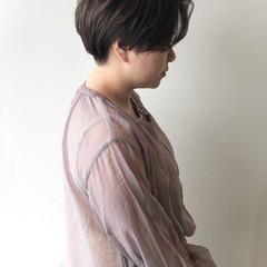 ショートヘア アッシュグレージュ ハンサムショート ナチュラル ヘアスタイルや髪型の写真・画像