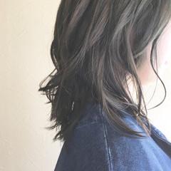 簡単スタイリング セミロング オフィス 大人かわいい ヘアスタイルや髪型の写真・画像