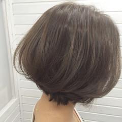 大人女子 小顔 グレージュ ストリート ヘアスタイルや髪型の写真・画像