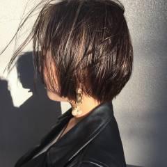 ウェットヘア マルサラ ショート 外国人風 ヘアスタイルや髪型の写真・画像