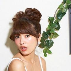 ヘアアレンジ お団子 丸顔 渋谷系 ヘアスタイルや髪型の写真・画像