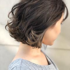 ストリート ボブ アッシュ インナーカラー ヘアスタイルや髪型の写真・画像