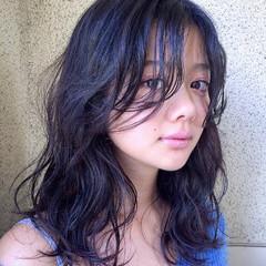 外国人風 ピュア 前髪あり 黒髪 ヘアスタイルや髪型の写真・画像