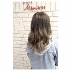アッシュグラデーション 外国人風 ハイライト ミディアム ヘアスタイルや髪型の写真・画像