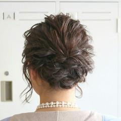 簡単ヘアアレンジ 上品 エレガント シニヨン ヘアスタイルや髪型の写真・画像
