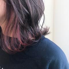 フェミニン ミディアム 切りっぱなしボブ ミルクティーグレージュ ヘアスタイルや髪型の写真・画像