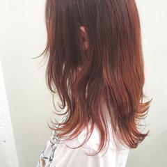ピンクアッシュ セミロング ハイトーンカラー ピンク ヘアスタイルや髪型の写真・画像