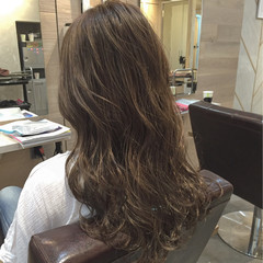ストリート ロング ハイライト アッシュ ヘアスタイルや髪型の写真・画像