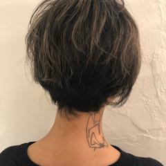デート スポーツ ハイライト グレージュ ヘアスタイルや髪型の写真・画像