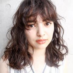 簡単ヘアアレンジ ウェーブ ミディアム ウェットヘア ヘアスタイルや髪型の写真・画像