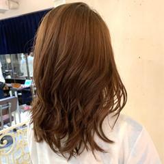 レイヤーカット ゆるふわパーマ コテ巻き風パーマ 大人ロング ヘアスタイルや髪型の写真・画像