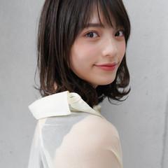 ひし形シルエット ミディアム レイヤーカット 似合わせカット ヘアスタイルや髪型の写真・画像