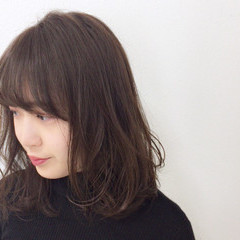毛先パーマ 大人女子 アンニュイ 暗髪 ヘアスタイルや髪型の写真・画像