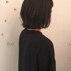 切りっぱなし ミディアム ボブ 伸ばしかけ ヘアスタイルや髪型の写真・画像