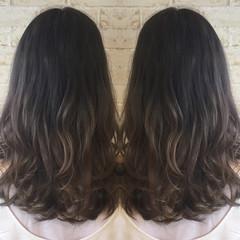 ロング グラデーションカラー グレージュ ブラウン ヘアスタイルや髪型の写真・画像