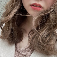 シアーベージュ ショコラブラウン ミルクティーベージュ セミロング ヘアスタイルや髪型の写真・画像