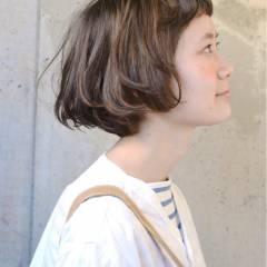 パーマ シースルーバング ナチュラル ボブ ヘアスタイルや髪型の写真・画像