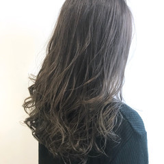 アッシュ モード アッシュグレージュ ハイライト ヘアスタイルや髪型の写真・画像
