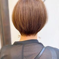 耳かけ 大人かわいい ナチュラル ショート ヘアスタイルや髪型の写真・画像