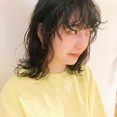 ミディアム レイヤーカット ストリート ウルフカット ヘアスタイルや髪型の写真・画像
