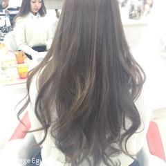 外国人風 グラデーションカラー ガーリー シルバーアッシュ ヘアスタイルや髪型の写真・画像