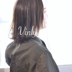 デート ヘアアレンジ ミディアム アウトドア ヘアスタイルや髪型の写真・画像
