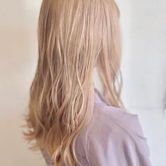 透明感カラー ミルクティーベージュ ガーリー ハイトーンカラー ヘアスタイルや髪型の写真・画像