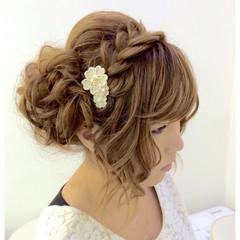ねじり 編み込みヘア ガーリー セミロング ヘアスタイルや髪型の写真・画像