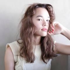 外国人風 パーマ ゆるふわ ウェーブ ヘアスタイルや髪型の写真・画像