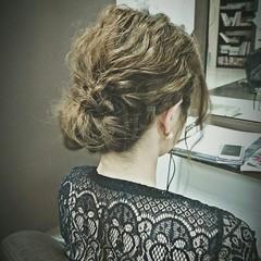 アップスタイル ミディアム 編み込み ヘアアレンジ ヘアスタイルや髪型の写真・画像