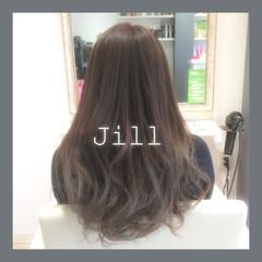 グレージュ グラデーションカラー ロング ナチュラル ヘアスタイルや髪型の写真・画像