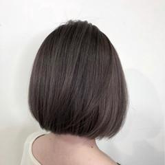 グレージュ 透明感 ショート ダブルカラー ヘアスタイルや髪型の写真・画像