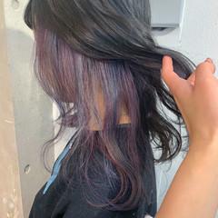 ストリート ミディアム インナーカラーパープル インナーカラー ヘアスタイルや髪型の写真・画像