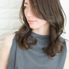 色気 ナチュラル セミロング 艶髪 ヘアスタイルや髪型の写真・画像