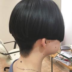 刈り上げ マッシュ 刈り上げ女子 黒髪 ヘアスタイルや髪型の写真・画像