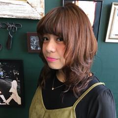 フェミニン ミディアム マッシュ ウルフカット ヘアスタイルや髪型の写真・画像
