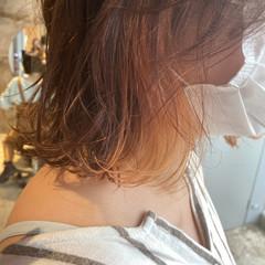 ミディアムレイヤー 波ウェーブ セミロング インナーカラーオレンジ ヘアスタイルや髪型の写真・画像