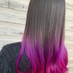 ベリーピンク ブリーチカラー ロング ブリーチ必須 ヘアスタイルや髪型の写真・画像