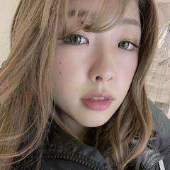ロング ミルクティーベージュ 巻き髪 エクステ ヘアスタイルや髪型の写真・画像