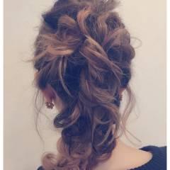 フェミニン ルーズ ヘアアレンジ 簡単ヘアアレンジ ヘアスタイルや髪型の写真・画像