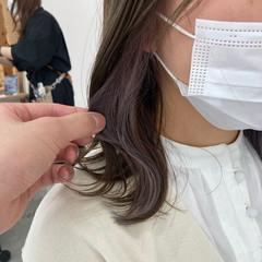 イヤリングカラー ハイライト アンニュイほつれヘア ミディアム ヘアスタイルや髪型の写真・画像