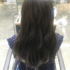秋 リラックス ナチュラル マーメイドアッシュ ヘアスタイルや髪型の写真・画像